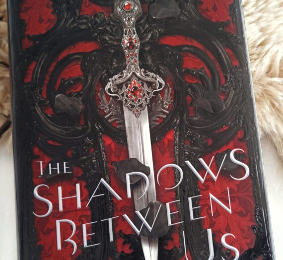 Recensie: The Shadows Between Us – Tricia Levenseller