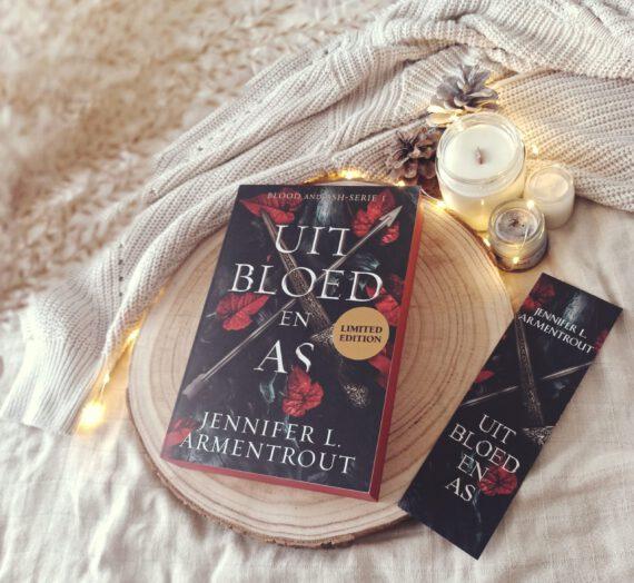 Blogtour: Uit Bloed en As – Jennifer L. Armentrout
